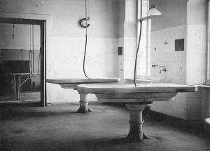 Stoły sekcyjne wanatomii patologicznej - 1930 r.