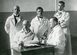 Profesorowie Wachholz iOlbrycht zasystenatmi